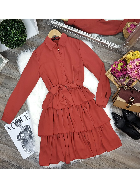 šaty s volánmi