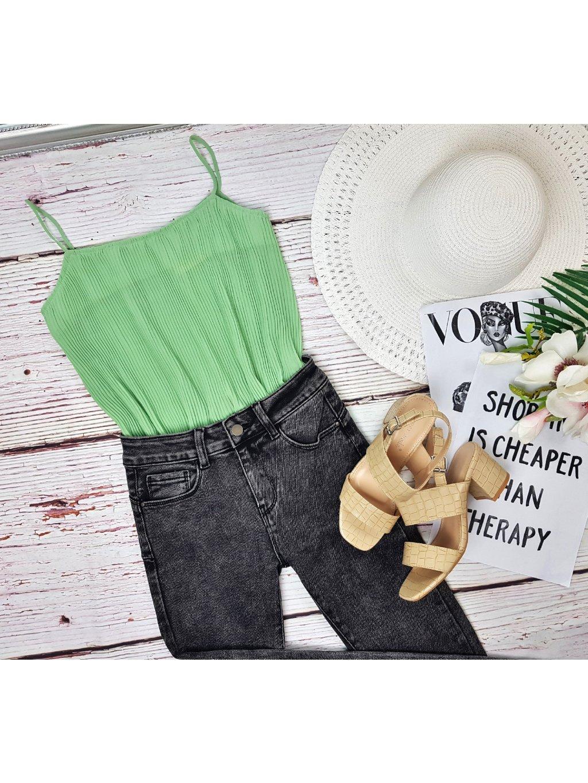 zelený plisovaný top na ramienka