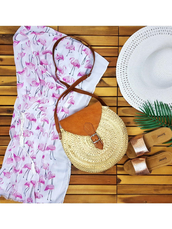 slamená okrúhla kabelka na leto