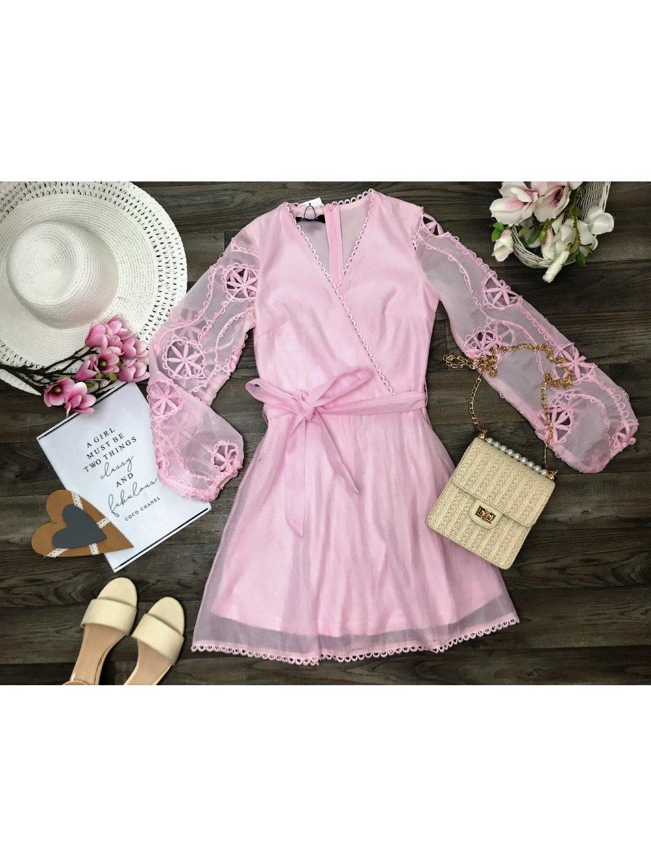 svetloružové dámske šaty s transparentnými rukávmi