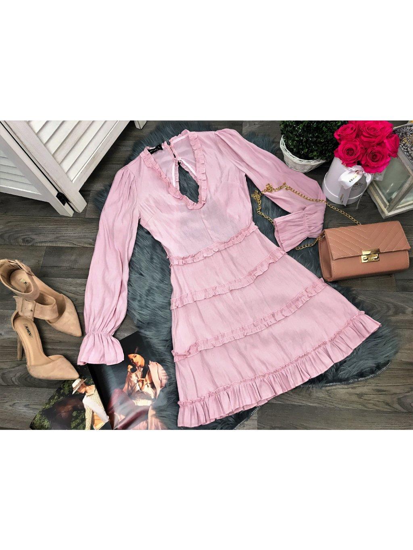 ružové šaty s volánom