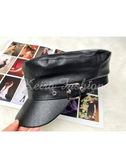 čierna koženková čiapka so šiltom