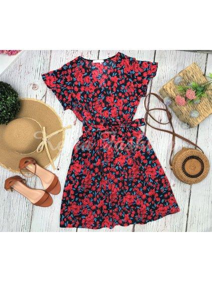 červené kvetované Šaty