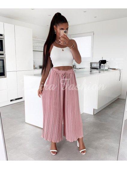 ružové plisované nohavice