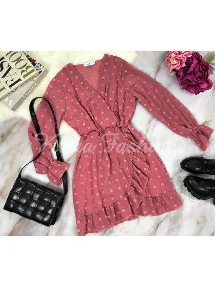 ružové bodkované šaty