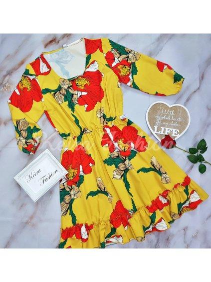 žlté šaty s červenými kvetmi