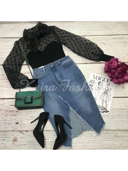 sveters transparentnými rukávmi