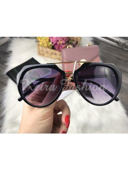 slnečné okuliare fialové sklo
