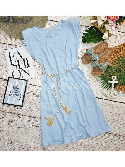 svetlomodré šaty s vypchávkami na ramenách
