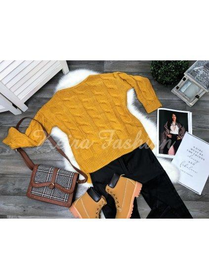 žltý sveter hrubý
