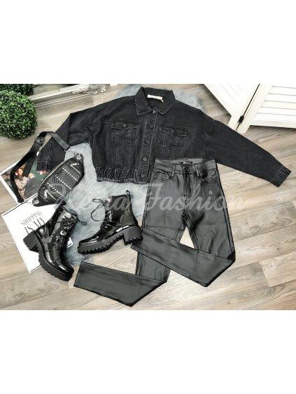 čierne koženkové nohavice