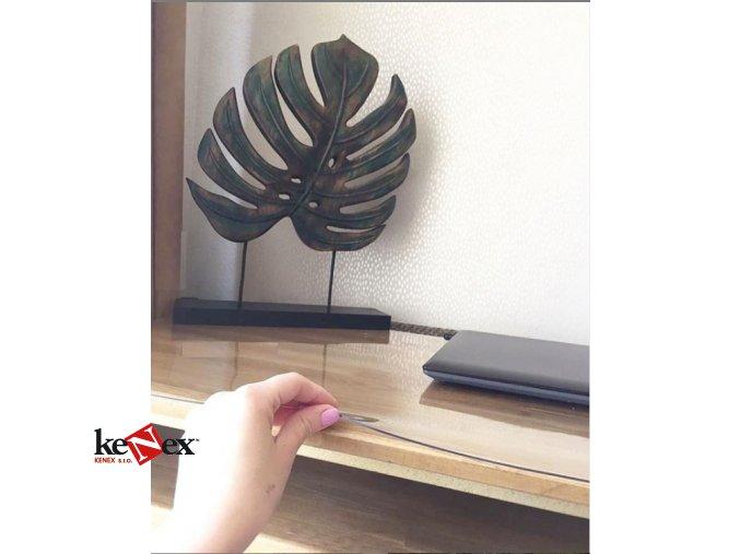 ubrus na stul z mekkeho skla 80x46 cm