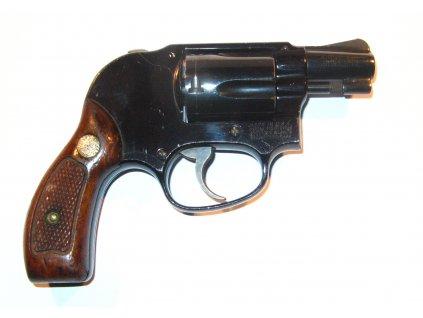 S&W Model 38 cal. 38 Spec.