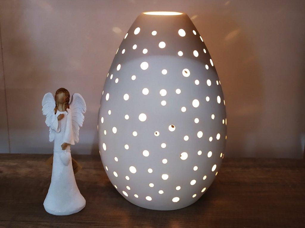 Keramický svícen děrovaný vejce