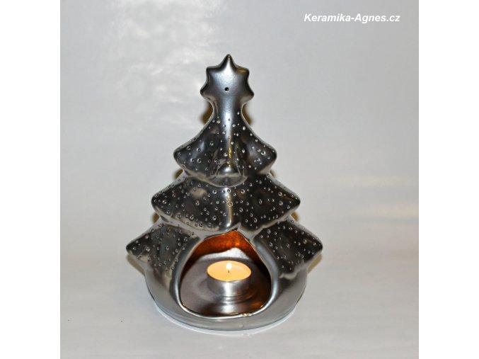 Keramický svícen děrovaný stromek stříbrný
