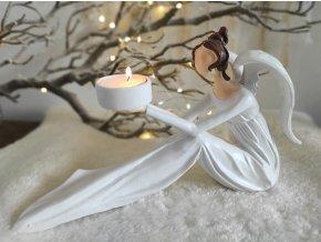 Anděl sedící