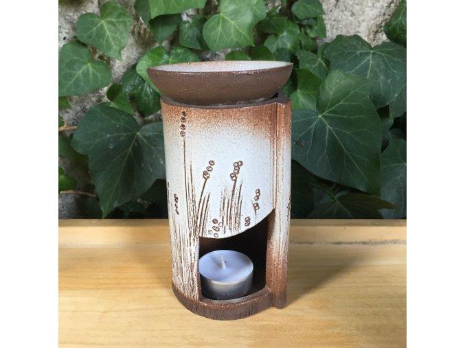 Aroma lampa s travou