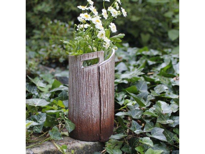 Nízká váza s okýnkem