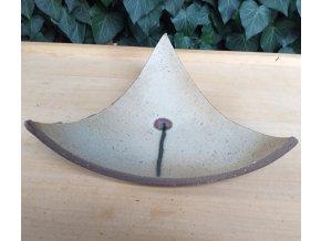 trojúhelníková mísa