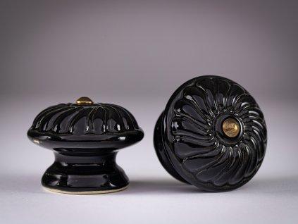 uchytky velké vzor rozeta černá