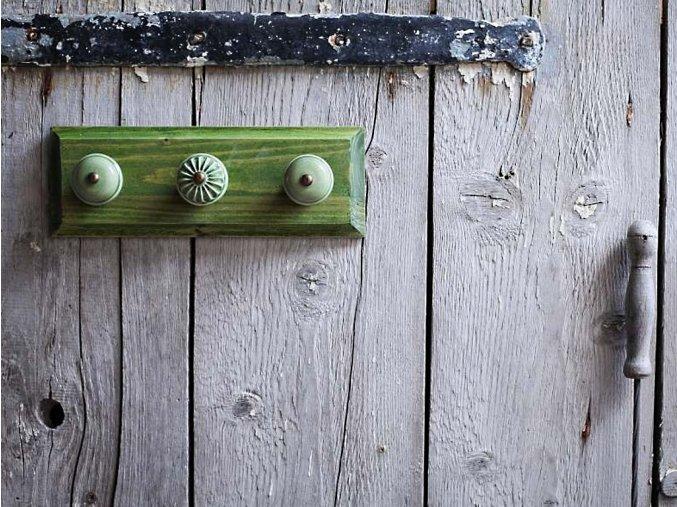věšák malý zelený