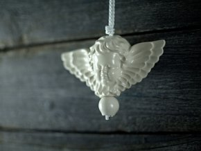 anděl ecru