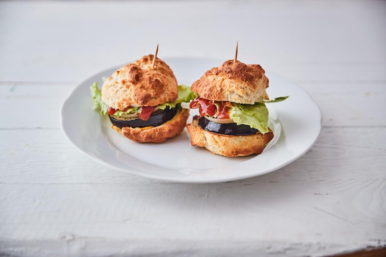 Low carb hamburger, po kterém nepřiberete.