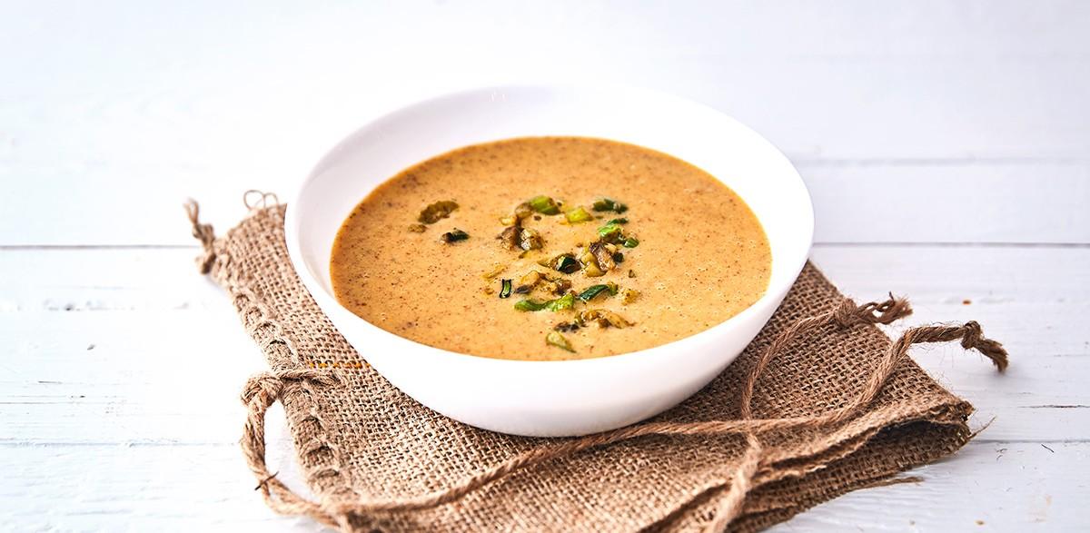 Zöldséges proteinleves curryvel