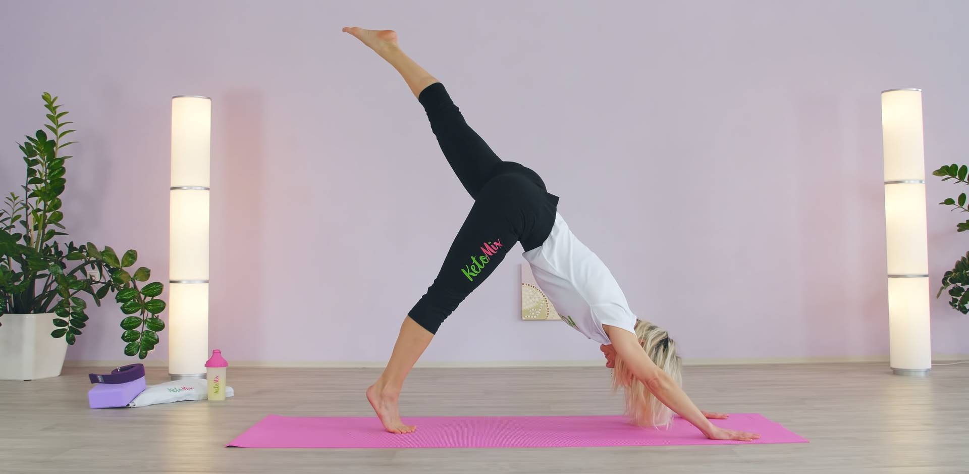 Ponaťahuj svoje telo s KetoMixom – Cviky nielen na dobré ráno