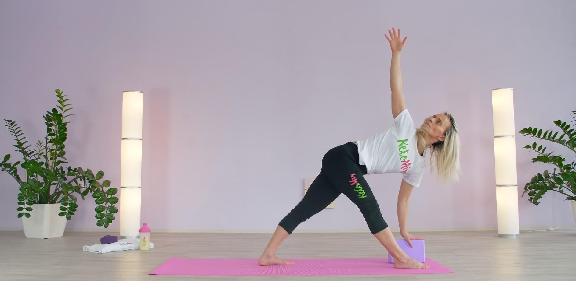 Ponaťahuj svoje telo s KetoMixom – Relaxačné večerné cvičenie