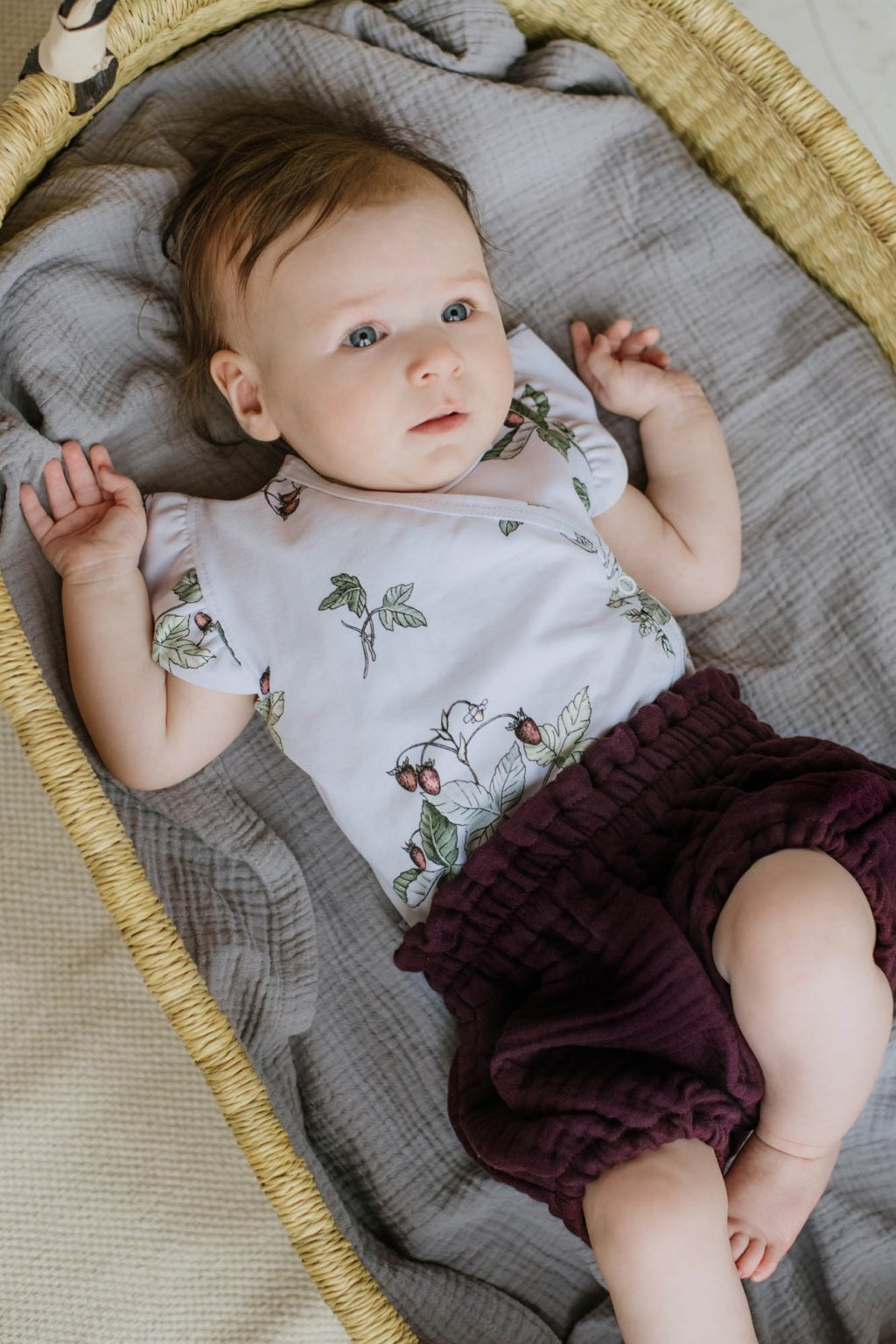 WUF KIDS dívčí mušelínové šortky - hroznové