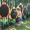 10619 outdoor mark making chalkboard daisies 5pk