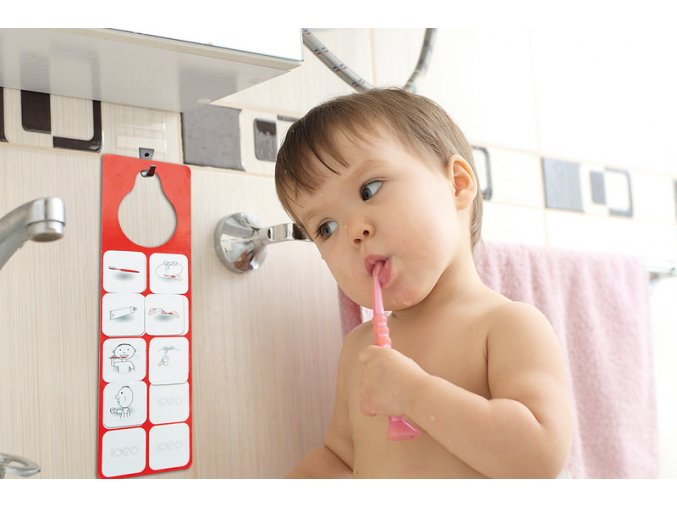 Nauč se čistit zuby (anglicky) / Learning to brush your teeth (english)