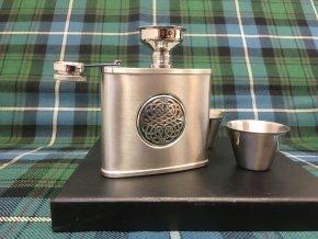 Dárková sada (lahvička a panáky) ‒ keltská Celtic knot