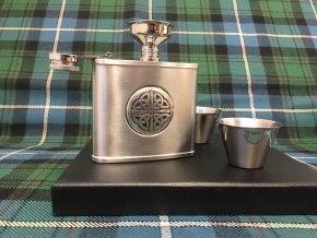 Dárková sada (lahvička a panáky) ‒ keltská