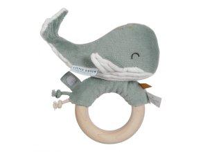 Chrastící velryba na dřevěném kroužku Ocean Mint Little Dutch