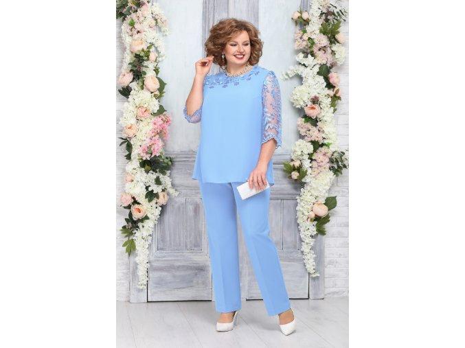 Kalhotový kostýmek pro plnoštíhlé Camille světle modrý