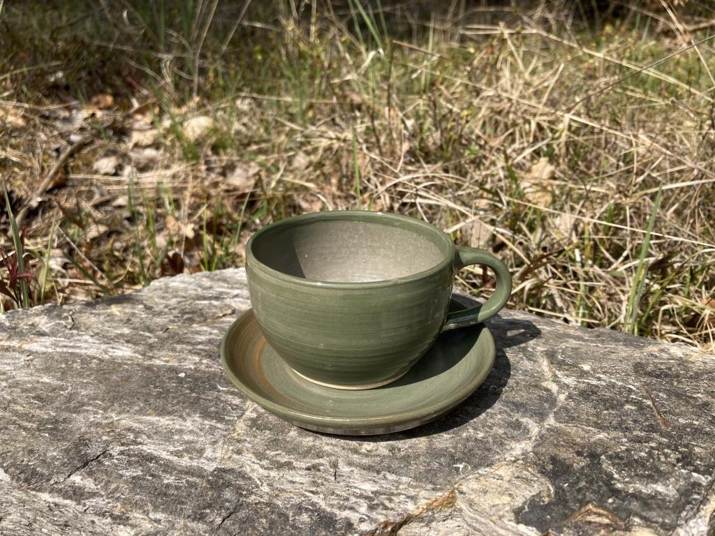 Šálek olivově zelený