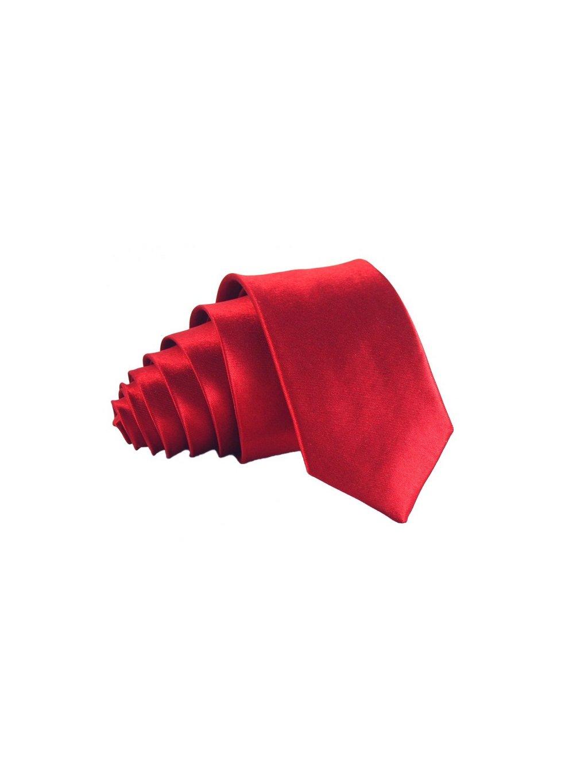 cervena leskla kravata