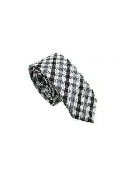 kravata s cernym karem