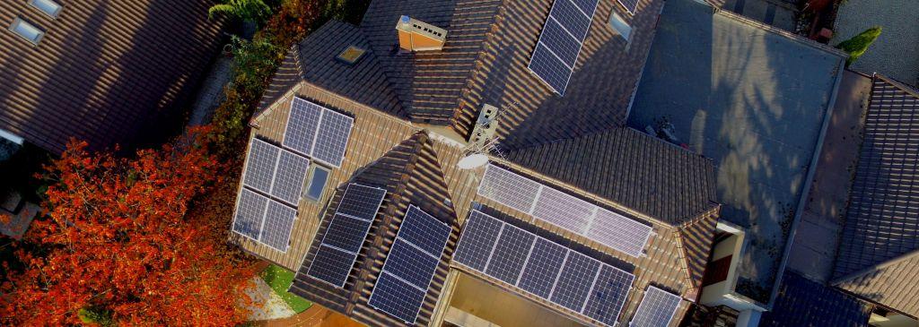 Čo je to solárny regulátor a prečo sa oplatí investovať?
