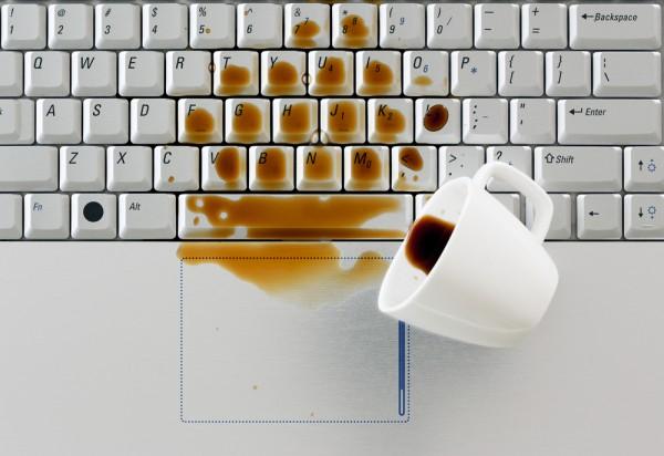 Poliata klávesnica - ako ju zachrániť?