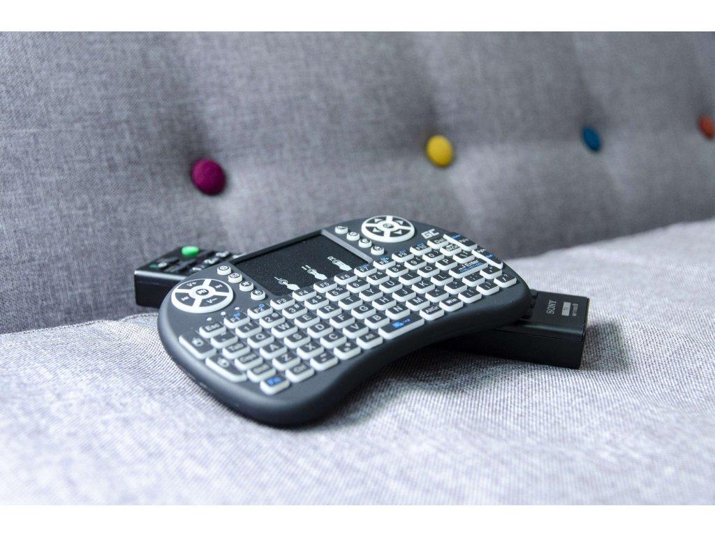 10d22e9878e73 ... Bezdrôtová podsvietená klávesnica Green Cell ® s Touchpadom ...