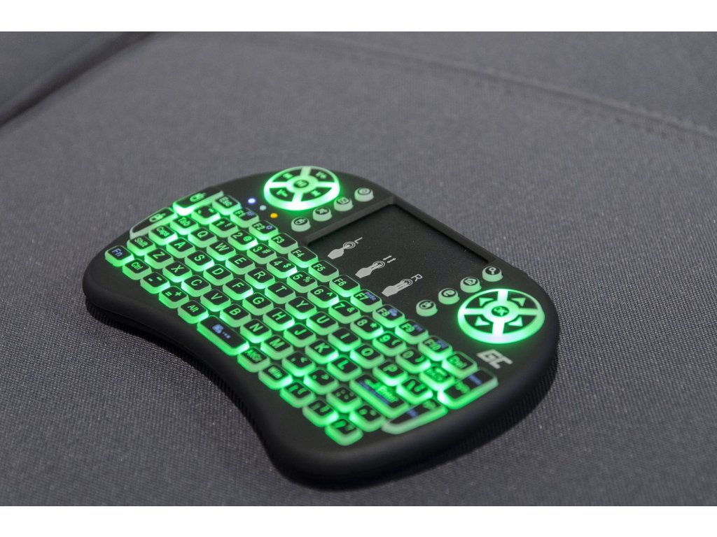 59ca7a0bb1cb6 ... Bezdrôtová podsvietená klávesnica Green Cell ® s Touchpadom