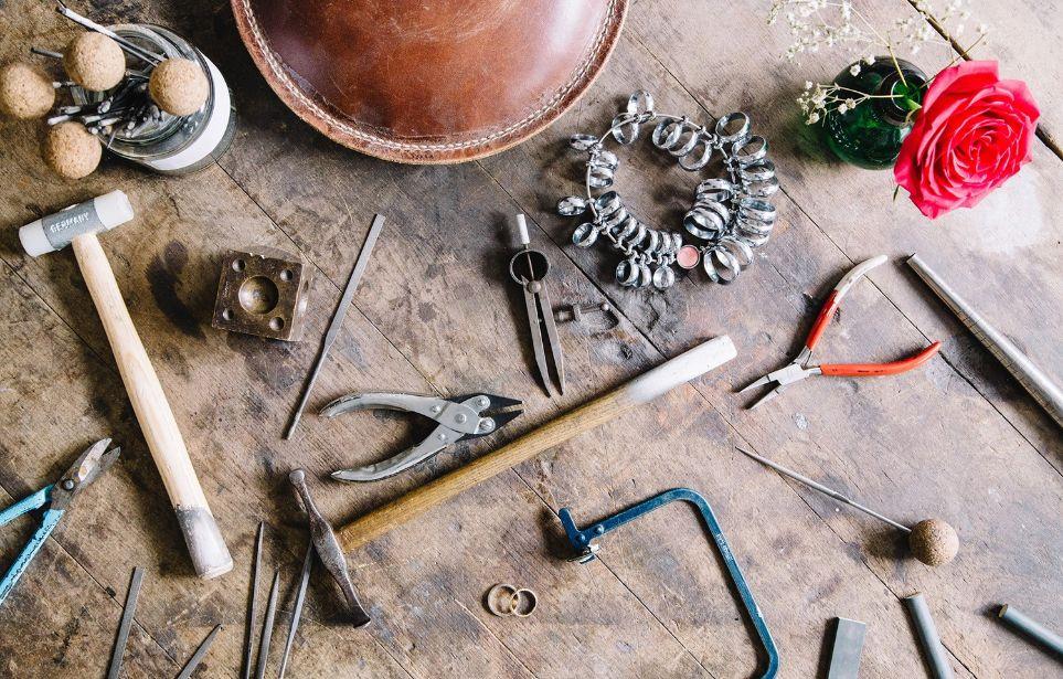 Jak se vyrábí šperky?