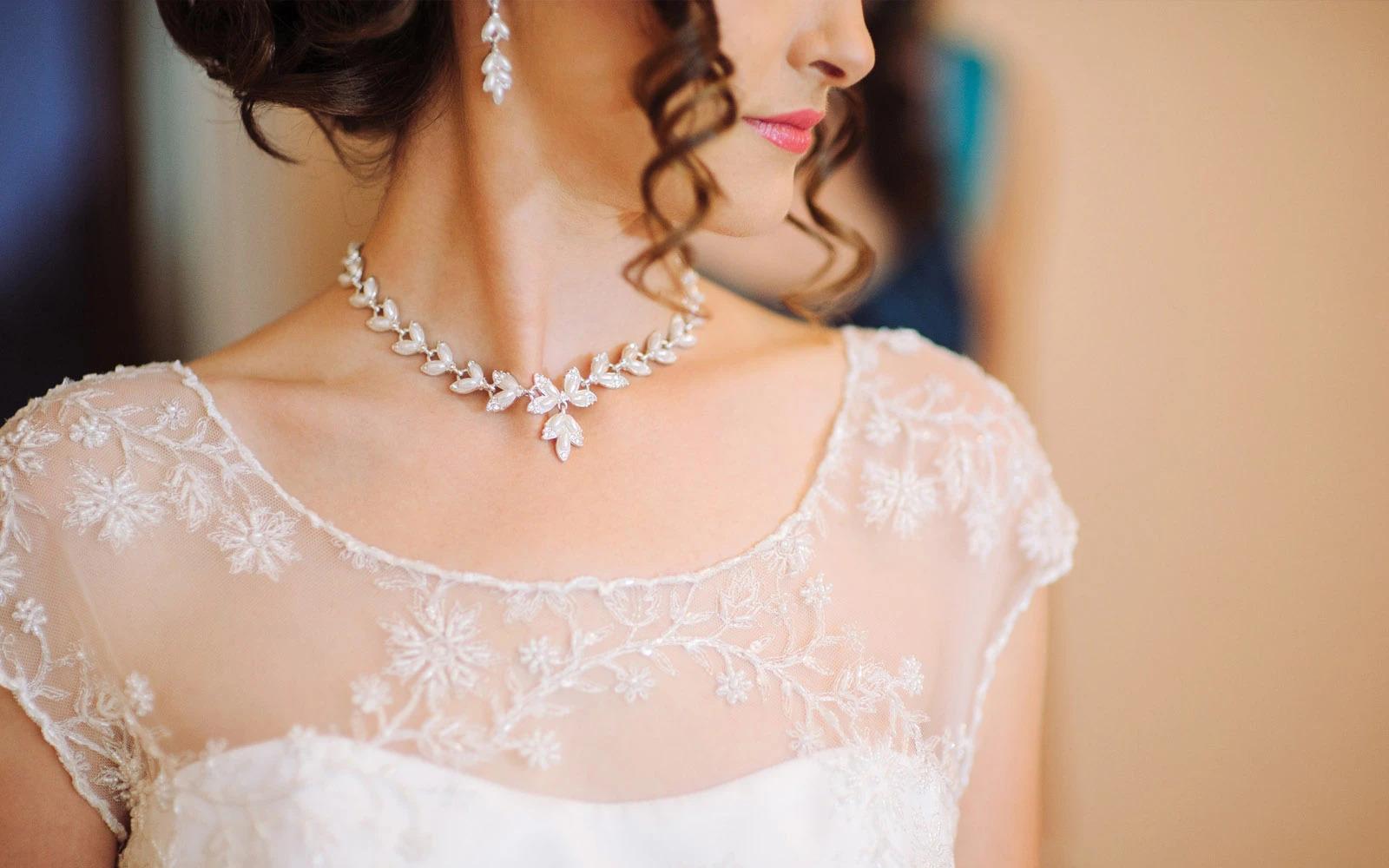 Jak vybrat ty nejkrásnější svatební šperky pro nevěstu