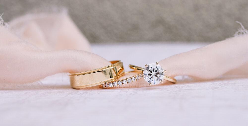 Zásnubní a snubní prsteny, symbol lásky a společného života
