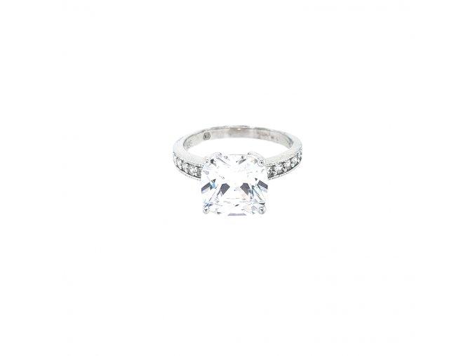 Dámský stříbrný prsten 925/1000 se zirkony a výrazným kamenem
