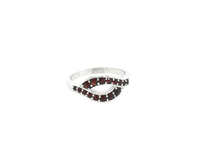 Dámský stříbrný prsten 925/1000 s českým granátem