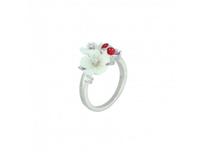 Stříbrný prsten Magnolia zdobený květinami a beruškou